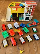 Rare Vintage Early Fisher Price Little People Garage Cars Excellent 🚗