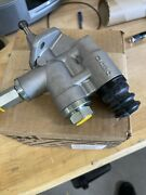 New Holland Fuel Transfer Pump 87473337am Case Never Used
