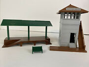 1950's Plasticville Switch Towers, Freight Station, And Bench Bachman Vintage
