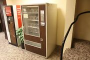 Vintage 1950and039s 1960and039s Fawn Snack Vending Machine Model 20 In Working Condition
