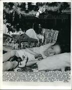 1971 Press Photo Robert Miller By His Christmas Tree Reading Letters And Cards