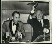 1962 Press Photo Brooks Stevens And Russell Gage Prepare For Evening Cruise