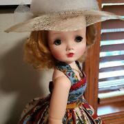 Madame Alexander Cissy Very Pretty Face Classy And Sassy Beautifully Dressed