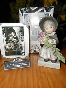Nib Pretty As A Picture By Enesco 472409 Kim Anderson's Girl Hugging Roses Fig.