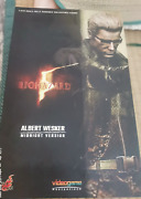 Hot Toys Resident Evil 5 Wesker Midnight Ver. 1/6 Action Figures In Stock