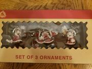 Disney Parks Mickey Mouse And Minnie Victorian Ice Skating Christmas Ornament Set
