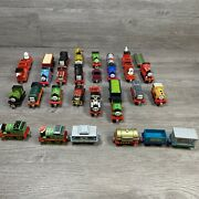 Thomas And Friends Take N Play Along Diecast Magnetic Train 32 Lot Lights Sounds