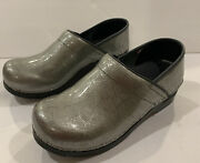 Sanita Clogs. Silver With Vain Pattern. Glossed Surface Women Eur Size 38 Us 7.5