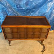 Vintage 1960's Magnavox 1p3000 Model Small Record Player Console Works Great