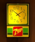Vintage All Original 7up 7 Up Lighted Wall Clock Keeps Perfect Time Excellent