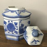 Antique Chinese Urn Porcelain Blue/white With Lid