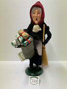 Byers Choice Old Befana An Italian Christmas Witch W/bag Of Gifts And Broom 2003
