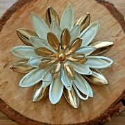 Vtg Sarah Coventry Brooch Lapel Pin White Gold Tone Flower Costume Jewellery