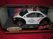 Vw New Beetle Belleview Police Black And White 1/18 Matchbox Models