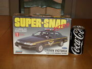 Crown Victoria - Ohio State Highway Patrol, Snap Together Plastic Model Car,1/25