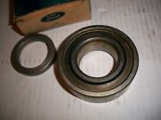 61 Ford Lincoln C1vy-1225-a Rear Axel / Wheel Bearing With Retainer