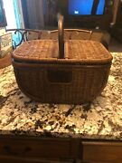 Pandg Wicker Picnic Handled Basket With Lid Proctor And Gamble Advertising P And G