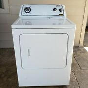 Whirpool Gas Clothes Dryer In Excellent Condition. White Color. Model Wgd4800xq