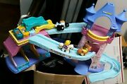 Fisher Price Little People Klip Klop Stable Castle With 3 Riders Princesses