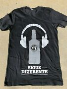 Jack Daniels Old No. 7 Whiskey Bottle And Headset / Sigue Di7efente T-shirt - S