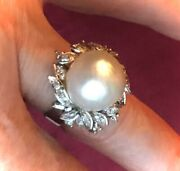 Gorgeous Vintage 18k White Gold Ring With Large Pearl And Diamonds