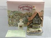 """David Winter Collector Guild """"thameside""""/thames River Water 1992 W/ Box And Coa"""