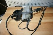 09-13 Mercedes R-class Trunk Tailgate Lift Motor Pump W/ Cover And Cylinder