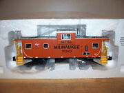 Lionel Train 27601 Milwaukee Road Extended Vision Caboose
