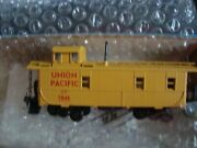 Athearn Ho Blue Box Up Caboose, Bw Caboose, And Wv Caboose, W/glass