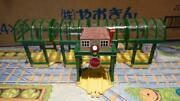 Tomy Capsule Plarail Thomas And Friends Knapford Station And Deluxe Traffic Light