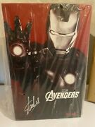 Signed By Stan Lee Hot Toys The Avengers Iron Man - Mark Vii Figure Mms 185 Mk7