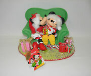 Dept. 56 Possible Dreams Minnie's Perfect Gift Mickey And Minnie In Chair 6003419