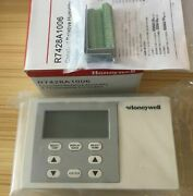 New In Box Honeywell R7428a1006 Temperature And Humidity Controller