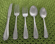 76 Pc Oneida Satin Sand Dune Stainless Flatware Set Wide Frost Indent Center