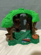 Vintage 1998 Fisher Price Great Adventures Robin Hood Forest Treehouse/figures