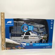 Animal Planet Great White Shark Research Boat With Cage 3 Sharks Diver See ⭐️