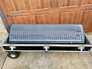 Soundtech S832 32 Channel Mixer With Heavy Duty Road Case Great Condition