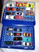 21 Hot Wheels Die Cast Cars And Carry Case