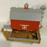 N Scale Building Barn Hip Roof With Silo And Cattle In Feed Lot Built Gd