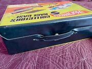Hot Wheels Classic 1970s Collectors Race Case W/500+ Baseball Cards
