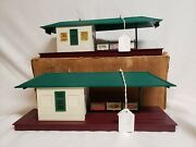 Lionel 256 Freight Station - Lot Of 2
