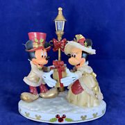 Mint Disney Mickey And Minnie Victorian Christmas Figurine With Post Lamp Light