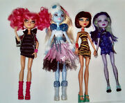Lot Of 4 Monster High Dolls Cleo, Abbey, Twyla , And Howleen Wolf