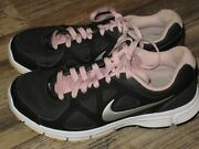 Ladys Shoes 8.5 Nike Revolution Very Good Condition
