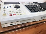 Akai Mpc 2000 Xl 8 Outs Fat Pads 32mb Ram Cf Reader Expanded Amazing Conditions