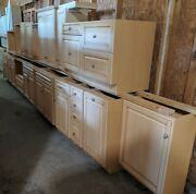 17 Pc Light Brown Brookhaven Kitchen Cabinet Set 7 Uppers 9 Lowers Bonita Sprgs