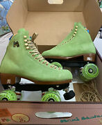 New Moxi Lolly Suede Skates Honeydew Green Size 8 Fits 9-9.5-10 Discontinued