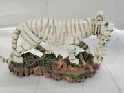 10l Large Wildlife White Tiger Mother Carrying Cub Statue