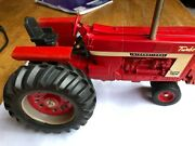 Custom Puller - Ihc Farmall 1066 In 1/16th Scale With Suitcase Weights And Muffler