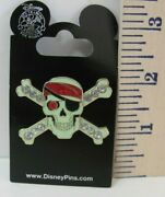 New 2008 Pirates Of The Caribbean Jeweled Skull And Crossbones Pin 47937
